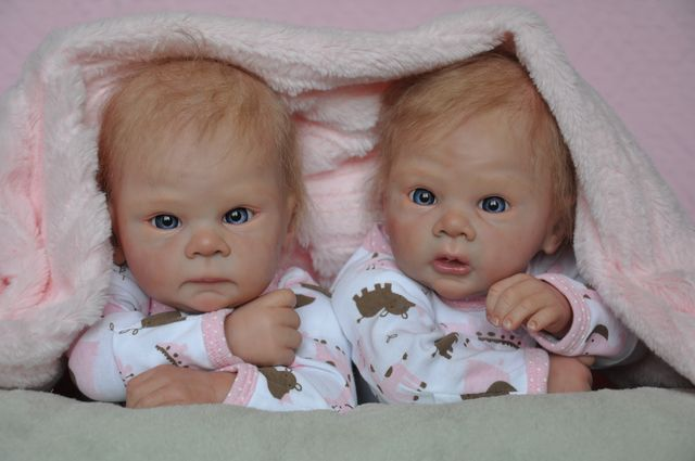 Taylor Twins kits Tamie Yarie
